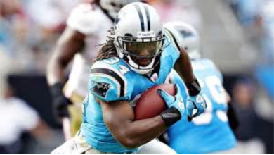 Photo of Carolina Panther Player Gives Up Business-Class Seat For A Marine