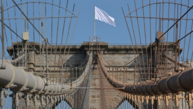 "Photo of US Flags on Brooklyn Bridge Replaced With Mysterious White ""Surrender"" Flags"