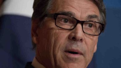 "Photo of Rick Perry:  ""Republicans must nominate one with deep Executive Experience."""