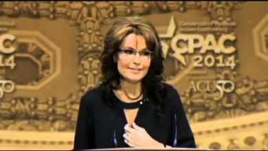 Photo of Sarah Palin Spices it up at CPAC 2014 with Dr. Seuss.