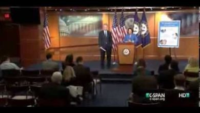 Photo of Video: Pelosi schools reporter on Obamacare question