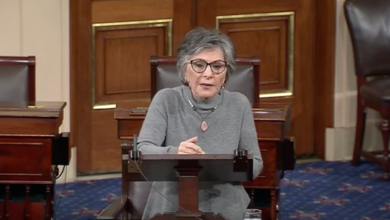 Photo of Sen. Boxer Calls for (More) Gun Control