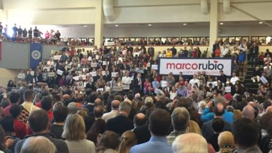 """Photo of Rubio in Virginia Ahead of Super Tuesday: """"Donald Trump is a Con Artist"""""""