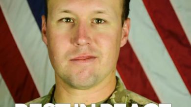 Photo of Family of Slain California Soldier Booed on Flight