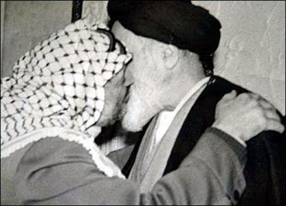 khomeini-arafat-french-kiss