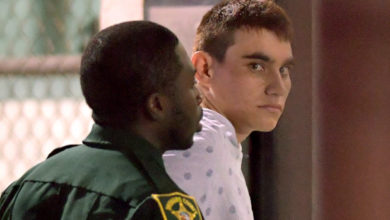 Photo of FBI Admits It Didn't Investigate Tip On Alleged School Shooter Last Month
