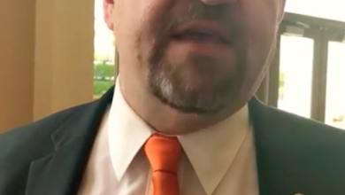 Photo of Sebastian Gorka Tells California Conservatives to Hold the Line