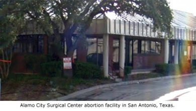 Photo of Pro-Life Good Guy with Gun Saves Woman Outside Abortion Clinic